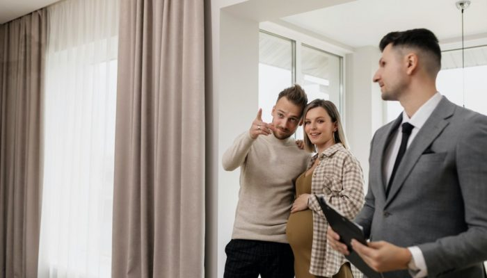 Qualities You Must Look While Choosing The Best Estate Agent
